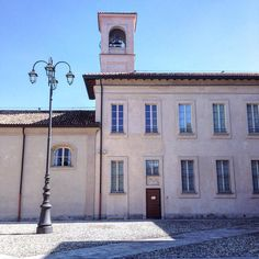 Admiring Villa Scheibler this sunny Saturday morning #milano by walkingmilan