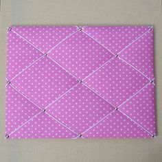 Pèle-mêle / Tableau d'affichage en tissu rose à étoiles blanches : Décorations murales par cote-baby