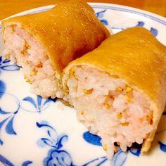 昨日、スマステで明太子入りの稲荷寿司をしていました。 食べたいけど寿司飯を作るのもと思い、ご飯にたらこを混ぜて、油揚げを煮て巻きました。 一応、満足しました。美味しかったです。 - 89件のもぐもぐ - たらこ入り稲荷巻きスマステ by mayumi0525