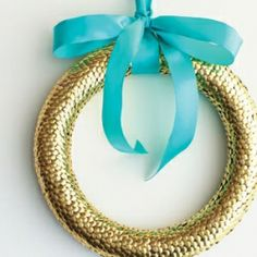 A gorgeous DIY gold wreath for the holidays.