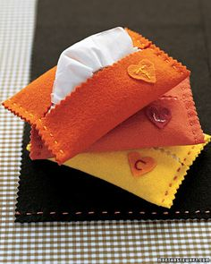 Martha Stewart: Hankie Holder -- Scroll to the top for Favorite Kids' Crafts Fall Felt Crafts, Winter Crafts For Kids, Kids Crafts, Bible Crafts, Fall Sewing Projects, Craft Projects, Craft Ideas, Sewing Ideas, School Projects