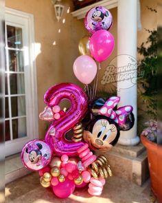 Minnie Mouse Party Decorations, Minnie Mouse Birthday Decorations, Minnie Mouse Balloons, Mickey Birthday, Balloon Decorations Party, Birthday Balloons, 1st Birthday Girls, Balloon Arrangements, Balloon Centerpieces