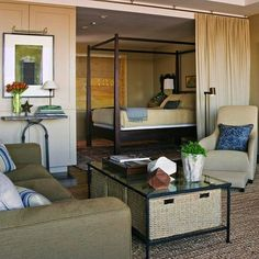 Спальня гостиная со шторами