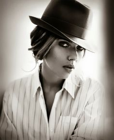 Scarlett Johansson by Vincent Peters for Esquire November 2013 : 2013'S SEXIEST WOMAN ALIVE