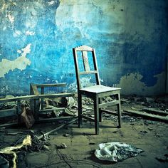 Abandoned chair.