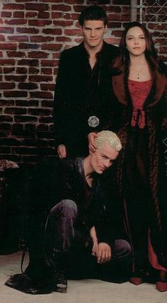 Spike-Angelus-and-Drusilla-the-fanged-four-882861_404_732.jpg (404×732)