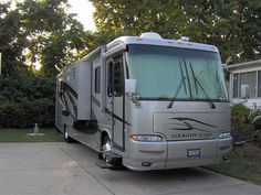 Want to travel the United States in our home away from home. Lets Tour together in this... off we go