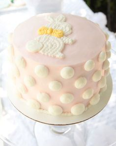 Soft and pretty bunny cake.