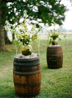 Great idea for Vineyard Wedding