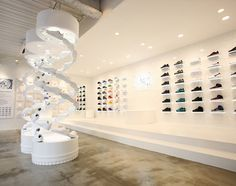 For the month of December, Nike fans in Tokyo are being presented with a pop-up shop that celebrates the classic Air Force Dubbed as The Pivot Point, this Shoe Store Design, Retail Store Design, Retail Stores, Commercial Interior Design, Commercial Interiors, Window Display Retail, Window Displays, Nike Retail, Visual Merchandising Displays