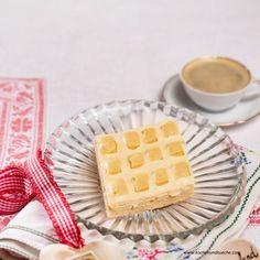 Burgenländische Steppdecke Austrian Recipes, Waffles, Breakfast, Food, Sheet Pan, Oven, Easy Meals, Morning Coffee, Essen