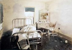 ma barker pictures | The back bedroom as it was in 1935 when the FBI took this photo.