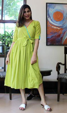 Tunic Designs, Fancy Blouse Designs, Kurti Neck Designs, Kurti Designs Party Wear, Dress Designs, Frock Patterns, Kurti Patterns, Frock Dress, Cape Dress