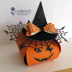 Witches Curvy Treat box made with Stampin' Up Curvy Keepsake box thinlits die and spider web doily, Dulceros Halloween, Moldes Halloween, Manualidades Halloween, Halloween Cards, Holidays Halloween, Halloween Treats, Halloween Decorations, Halloween Favors, Thanksgiving Cards