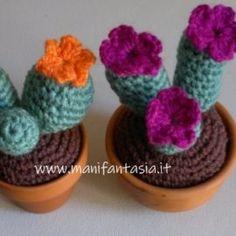 Piante grasse ad uncinetto facili con spiegazioni Free Pattern, Dolls, Gardening, Knitting, Home, Amigurumi, Crochet Accessories, Tricot, Baby Dolls