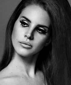 Lana Del Rey + Información sobre nuestro #curso de #maquillaje ► http://curso-maquillaje.es/msite-nude/index.php?PinCMO