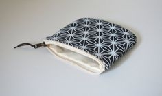 Printed coin purse Small zipper pouch Denim small by UMEHARAKABAN