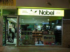 Imagen del exterior de la librería Espacio Lector Nobel Vera