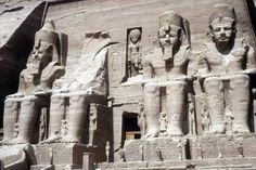 Son invalorables testimonios para estudiar la historia de Egipto. Estaban sujetas a rígidas reglas que no variaron durante siglos. • ...