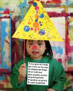 les petites têtes de l'art: Le petit clown Clown Hat, Le Clown, Clown Cirque, Carnival Crafts, Illustrations, Mardi Gras, Activities For Kids, Kindergarten, Arts And Crafts