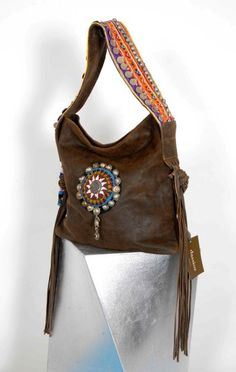 yard of girls Estilo Hippie, Hippie Chic, Boho Chic, Bohemian, Leather Purses, Leather Handbags, Leather Bag, Ethnic Bag, Mode Boho
