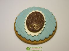 My first course cake design. decorated cookie