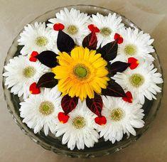 Rangoli Designs Flower, Small Rangoli Design, Colorful Rangoli Designs, Rangoli Designs Diwali, Rangoli Designs Images, Flower Rangoli, Beautiful Rangoli Designs, Diwali Flowers, Rangoli Patterns