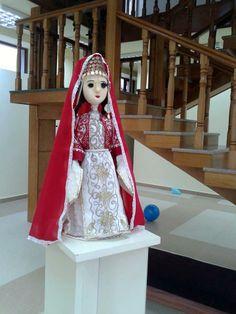 Dolls exhibition, Stepanakert, june 1-15