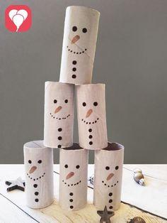 Schneemann Zielwurf winterliche Weihnachtsspiele
