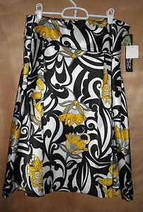 Windridge Cheryl Nash Pretty Silky Floral Skirt Size 10 NWT Ships Free in USA $10.99