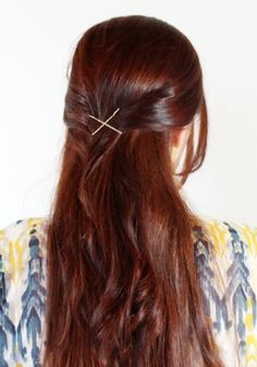 12 Simple Ways to Wear Bobby Pins - How to Wear Bobby Pins