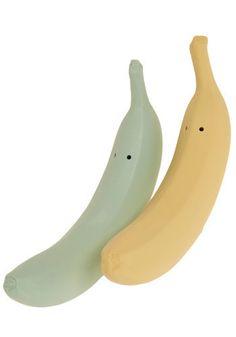 banana salt and pepper shakers