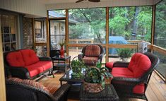 Covered Porches Screened In Porch Diy, Screened Porch Designs, Porch Makeover, Outdoor Furniture Sets, Outdoor Decor, Country Chic, Porch Decorating, Covered Porches, New Homes