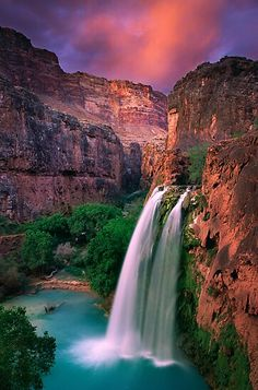 Havasu Falls, Grand Canyon, Arizona The landscapes of waterfall is so beautiful to relief our stress and make our heart with the nature. Gift of god. Grand Canyon Arizona, Arizona Usa, Arizona Travel, Arizona State, Sedona Arizona, Peoria Arizona, Arizona City, Arizona Trip, Visit Arizona
