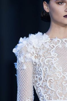 Detailed photos of Ralph & Russo Haute Couture Fall 2014 Haute Couture Gowns, Couture Fashion, Fashion Show, Couture Embellishment, Couture Embroidery, Embellishments, Couture Details, Fashion Details, Fashion Design