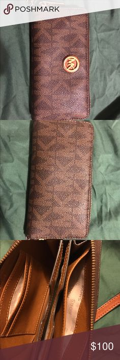MK Wallet Authentic MK WALLET , good condition , make a an offer MICHAEL Michael Kors Bags Wallets
