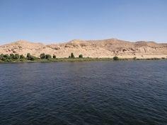 Montanhas no Nilo