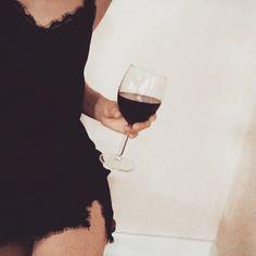 Weekend 🍷 Red Wine, Alcoholic Drinks, Instagram Posts, Liquor Drinks, Alcoholic Beverages, Liquor