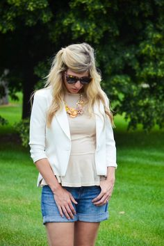 Jean shorts with white blazer for summer