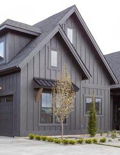 Exterior Gray Paint, Black House Exterior, House Paint Exterior, Exterior House Colors, Exterior Design, Modern Farmhouse Exterior, House Siding, Paint Colors For Home, House Painting