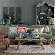 Farmhouse Shabby Chic Living Room Decor Ideas – Best Home Decorating Ideas Simple Living Room, Shabby Chic Living Room, Shabby Chic Interiors, Shabby Chic Homes, Shabby Chic Furniture, Living Room Decor, Bohemian Living, Vintage Furniture, Country Furniture