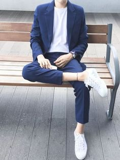 mens_fashion - 99 Smart Men Outfits Ideas That Look Handsome Korean Fashion Men, Boy Fashion, Mens Fashion, Fashion Outfits, Fashion Sites, Fashion News, Stylish Mens Outfits, Casual Outfits, Men Casual