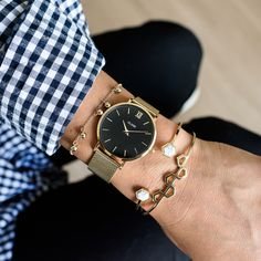 748aa2fa047 Order the CLUSE Minuit Mesh Gold Black ladies watch now in the official CLUSE  store!