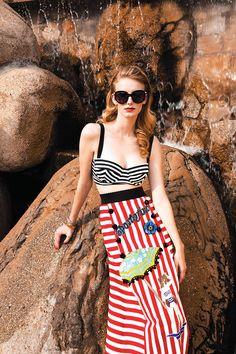 Outfit retro en #LasBrisasAcapulco por la Revista Glamour México y Latinoamérica. #Bikini #Pool #VeranoBrisas #LookPlayero