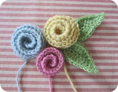 Free pattern for pretty Coiled Roses from Pink Milk