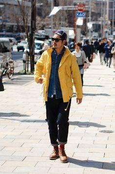 Style // Yellow Jacket (Gore-Tex, Tyvek, coated nylon?)