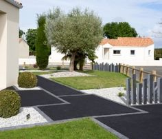 entree allee acces en enrobe chainage paves paysagiste vendee