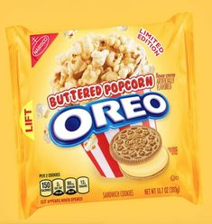Buttered Popcorn Oreos Are in the Works and TBH I Dont Know What to Feel - Food Meme - Buttered Popcorn Oreos Are in the Works and TBH I Dont Know What to Feel Weird Oreo Flavors, Pop Tart Flavors, Cookie Flavors, Flavored Popcorn, Butter Popcorn, Sandwich Cookies, Oreo Cookies, Hershey Syrup, Biscuits