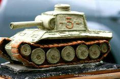 Do you have any blueprints for the gingerbread. We are making gingerbread things at thge Military Family Resource Centre in December Thegingerbread tank is awesome Xmas, Christmas, Holidays And Events, Gingerbread Houses, Baking, Birthday, Planes, Trains, Centre