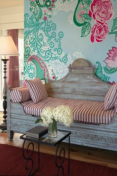 large pattern wallpaper, cute little daybed